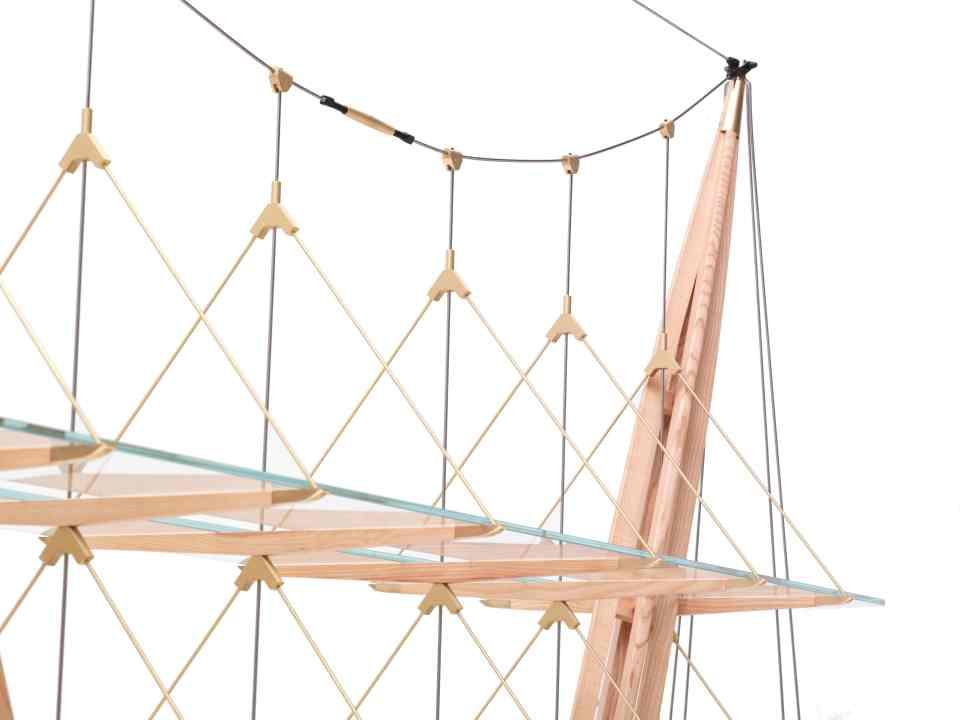 """In seiner Form und Struktur erinnert """"Veliero"""" an die Masten und Takelage eines Segelschiffes."""