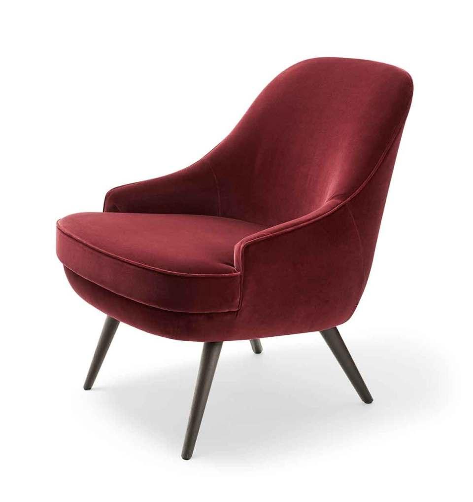 Walter Knoll setzt bei dem wieder neu aufgelegten Klassiker 375 auf Velours, um dem Lobby-Sessel den besonderen Charme der 1950er Jahre zu verleihen.