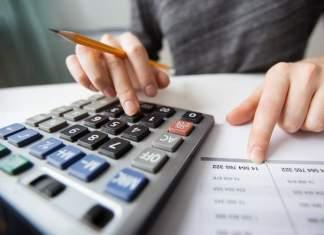 Custos com faculdades