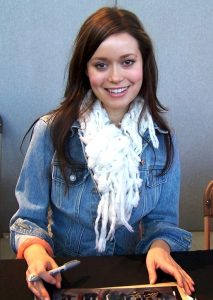 Summer_Glau_at_CollectorMania_cropped