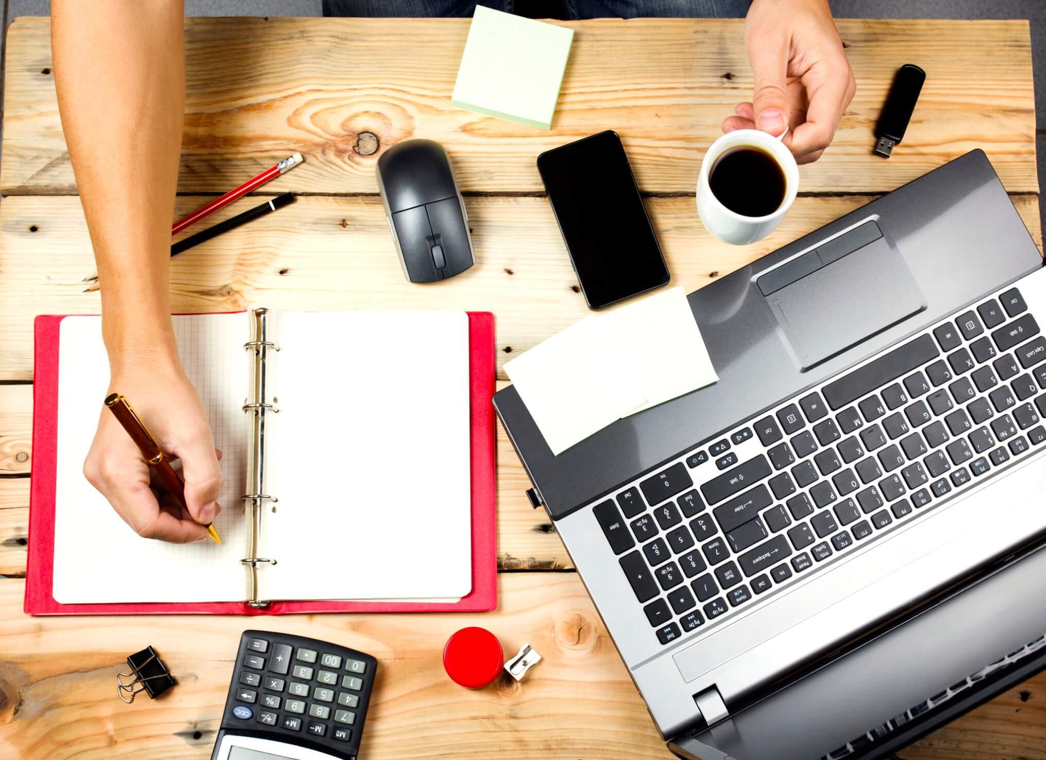 Como ter seu próprio negócio enquanto se trabalha em tempo integral