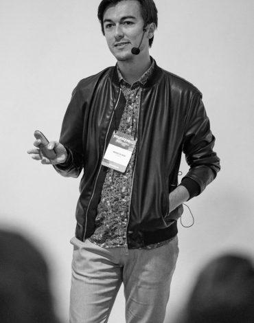 Falando sobre produção de conteúdo em Lisboa, no YouniqueXP, maior evento de branding pessoal do Brasil que fez sua primeira edição em Portugal em 2019.