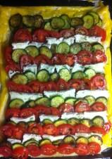 Zucchini-Tarte mit Brie - vorbereitet auf dem Blech