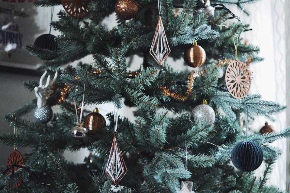 John Lewis Christmas Tree Skirt.A Mitsuko Christmas Mathilde Heart Manech