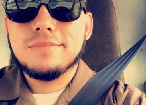 El joven ecuatoriano fue tomado como rehén por los dos hombres armados que asaltaron la joyería