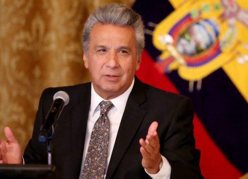 """Agregó también que """"tendremos 2.500 a 3.500 fallecidos por Covid-19 solo en la provincia de Guayas"""". Otro de los anuncios fue el envío a la Asamblea Nacional de """" un proyecto de ley para defender el empleo, para mantener el emprendimiento y la dolarización"""". El presidente habló de que el país tendrá que hacerle frente a la """"otra cara de la crisis"""" : la económica. Días anteriores, trabajadores de empresas como Confiteca, anunciaron su separación de los cargos sin una causa previa existente."""