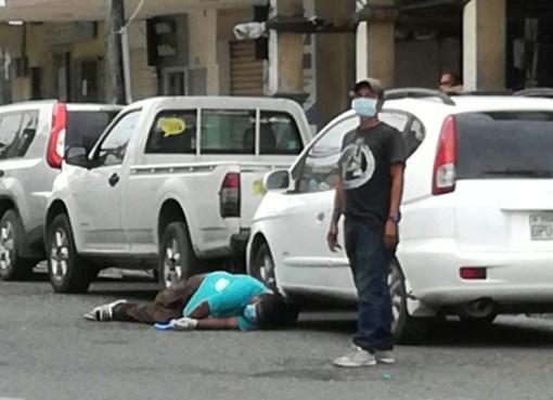 MURIÓ EN PLENA VÍA PÚBLICA TRAS FUGARSE DEL HOSPITAL MARTÍN ICAZA DONDE ESTABA