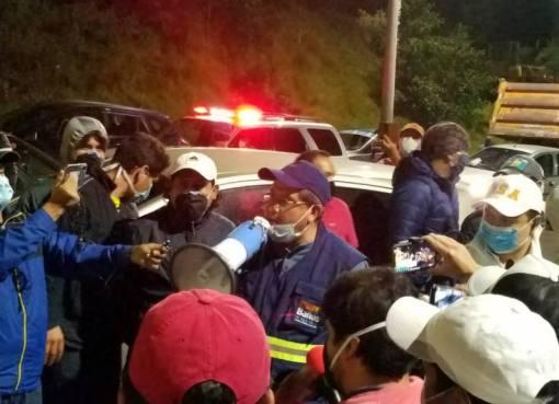 ALCALDE DE BAÑOS DE AGUA SANTA IMPIDIÓ INGRESO DE POLICÍAS PARA AISLAMIENTO