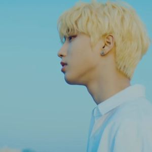 Download Han STRAY KIDS - Close Mp3