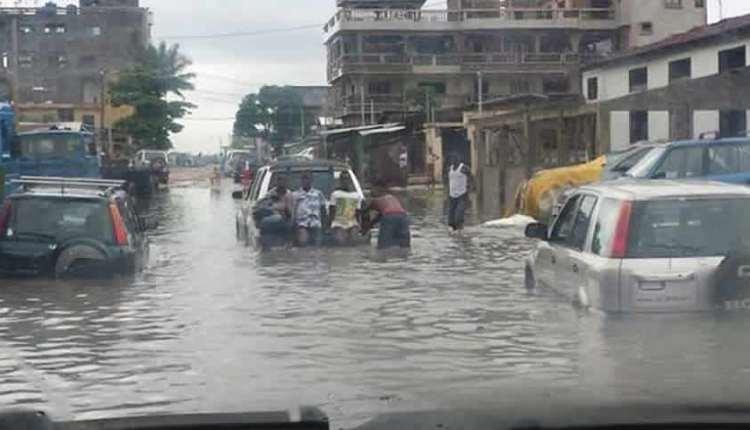 Cotonou-dans-leau