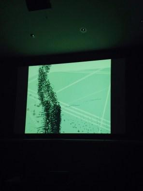 """Performance de Jörg Piringer: """"text/sound-videos""""."""