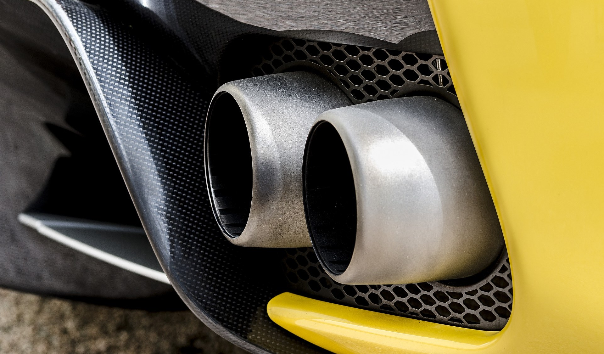 Using Ceramics in Exhaust Systems to Purify Emissions