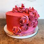 Kake med rosa smørkrem