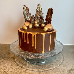kake med sjokoladesmørkrem