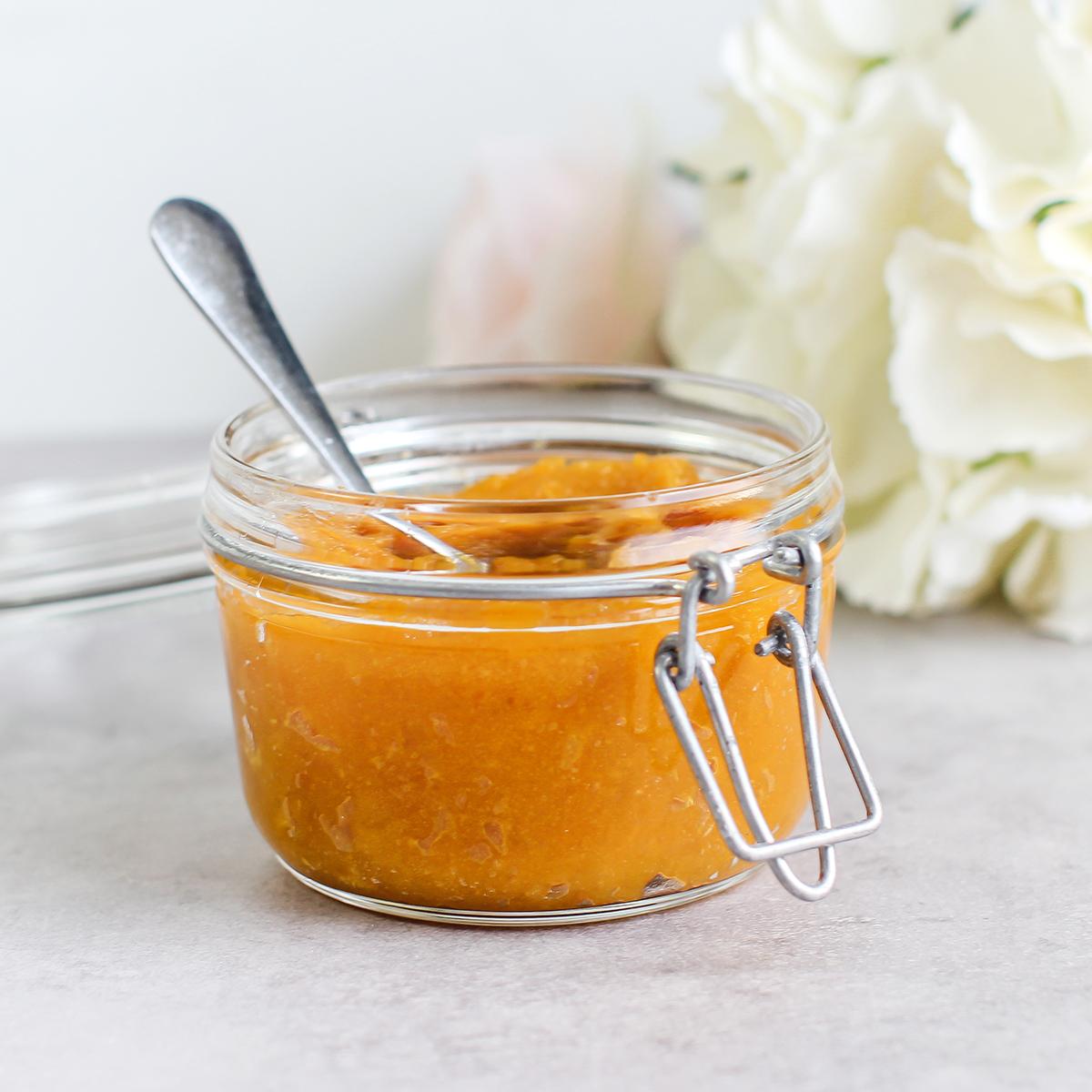aprikossyltetøy av tørket aprikos