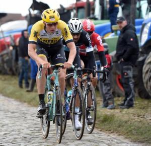 The chasing pack at Kuurne - Brussels - Kuurne