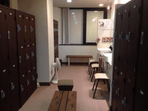 YOGAPLUS新宿店の更衣室