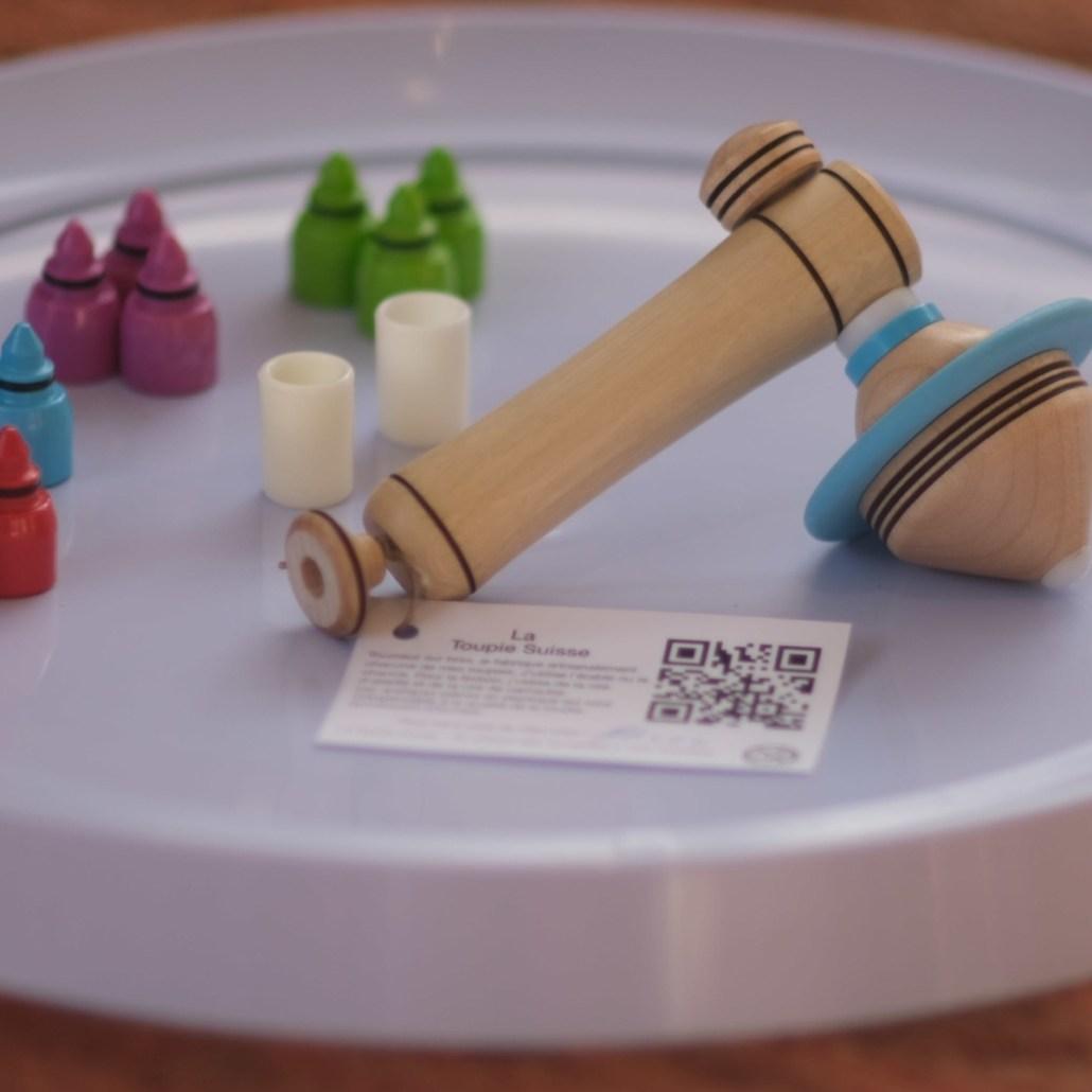 le-jeu-complet-spin-it-up-13-toupies-matoupie-jean-pierre-de-siebenthal-artisan-local-faiseur-de-toupies-fabrication-suisse