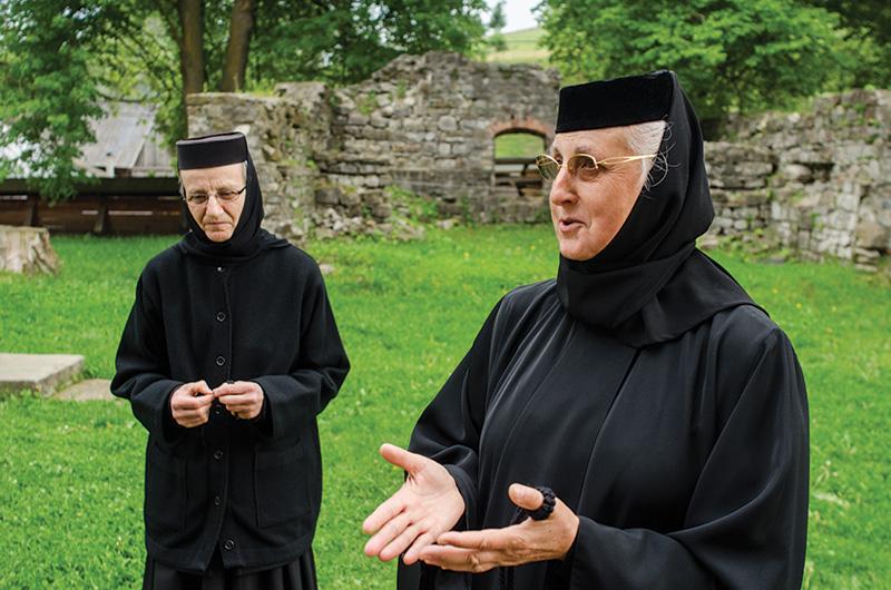 Încrezătoare în viitorul românilor: stareţa Mănăstirii Humor, maica Parascheva Sorohan