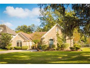 Property for sale at 102 River Oaks Drive, Lake Jackson,  Texas 77566