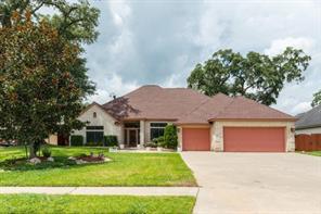 Property for sale at 110 Canyon Oak Dr, Lake Jackson,  Texas 77566