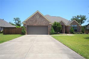 Property for sale at 108 Deerwood Drive, Lake Jackson,  Texas 77566