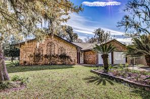 Property for sale at 108 Deer Trail Trail, Lake Jackson,  Texas 77566