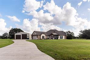 Property for sale at 407 Rodeo Trail, Angleton,  Texas 77515