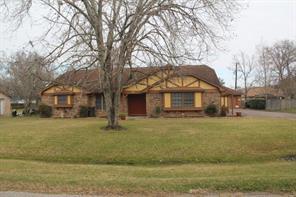 Property for sale at 57 E Sagebrush Street, Lake Jackson,  Texas 77566