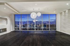 Property for sale at 2727 Kirby Drive Unit: 19L, Houston,  Texas 77098