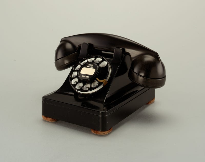 the first modern telephone: the Model 302