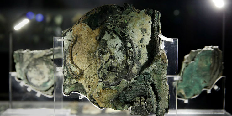 The Antikythera mechanism, first computer device