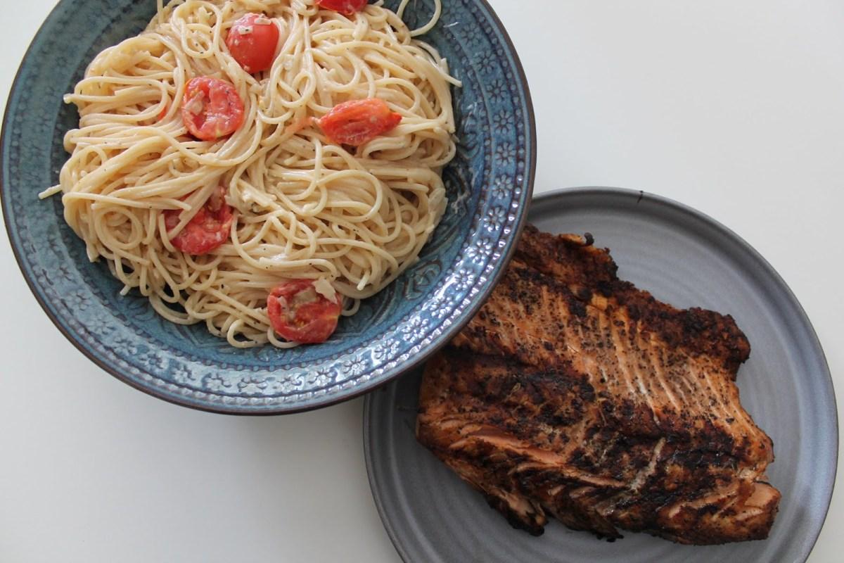 Krämig pasta till grillad lax