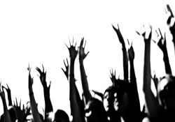 La policía amedrenta con identificaciones a los concentrados en Sol para reventar la protesta