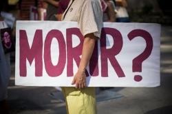 VÍDEOS | Los médicos que nunca obedecieron el decreto de la exclusión sanitaria