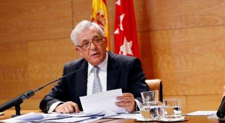 La Asamblea de Madrid reprueba al consejero de Sanidad de Cifuentes que recomendó hacer abanicos contra el calor