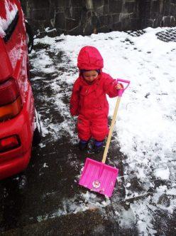 Schnee-Schaufel-für-Kinder