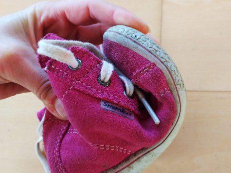 flexible-Sohlen-im-Kinderschuh