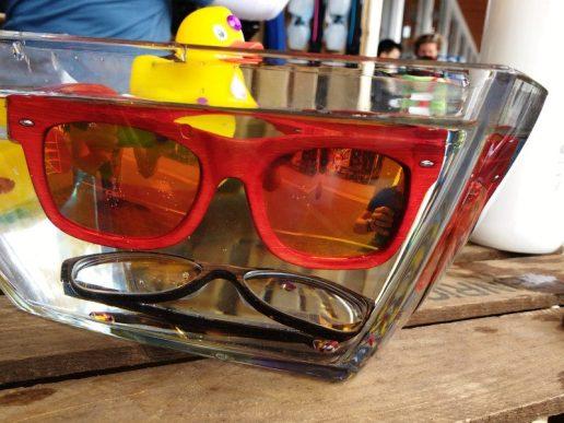 Schwimmende Sonnenbrillen von Mawaii