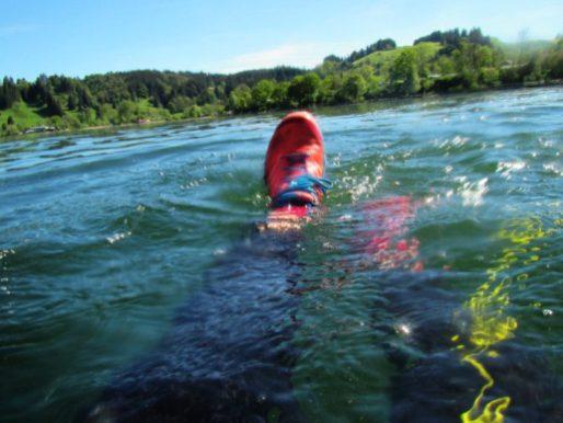 Schwimmen mit Schuhen, Laufen mit Neopren