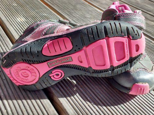 Pediped gesunde Schuhe zum draussen spielen im Frühjahr matschbar