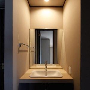 廊下の洗面コーナー