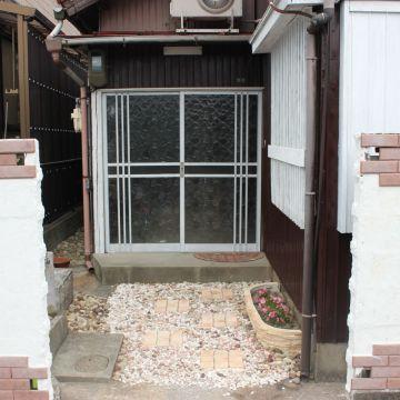 【DIY】超昭和ブロック塀を白モルタルとレンガで洋風に!