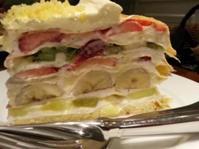 クイーンズスクエアのカフェのケーキ