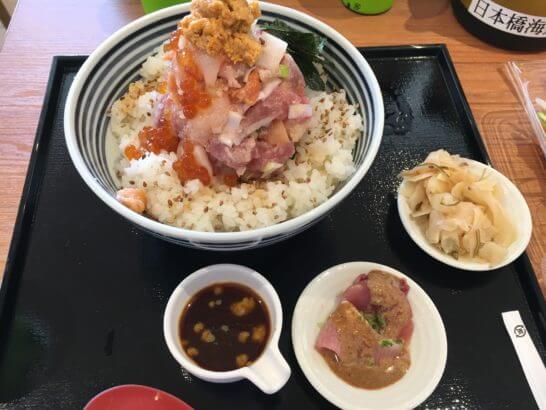 ららぽーとの海鮮丼のアップ