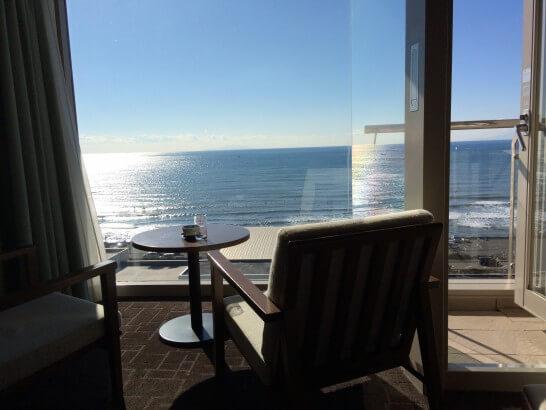 鎌倉プリンスホテルの客室の窓からの景色