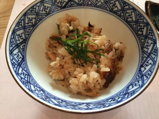 銀座 志の秋刀魚の燻製きのこ炊き込み