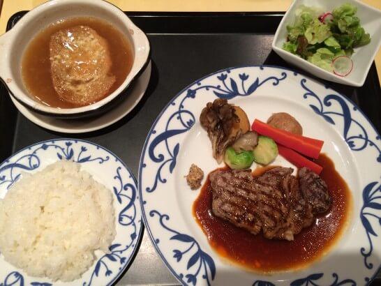 伊勢丹のレストランのコース(メインのステーキ)
