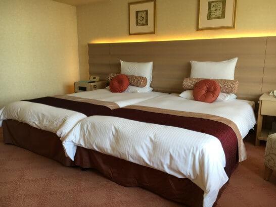 ホテルオークラ東京ベイのデラックスルームのベッド