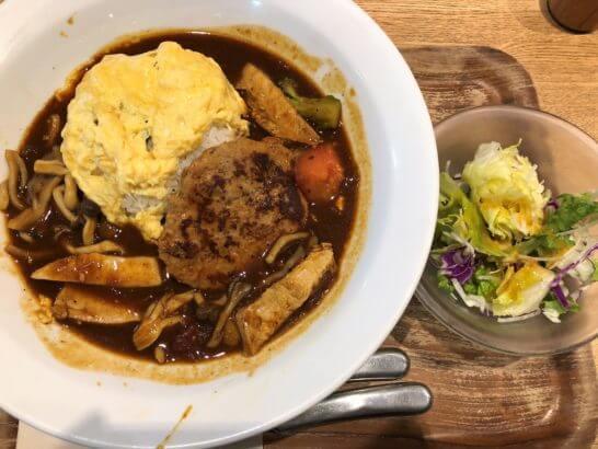 ルミネのカフェのハンバーグ・オムライス(ハヤシソース)